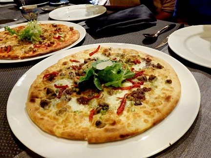 pizza at M'bessy Chennai