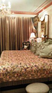 Decor of luxury rooms at Radisson Noida